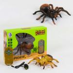 Интерактивный паук на пульте управления